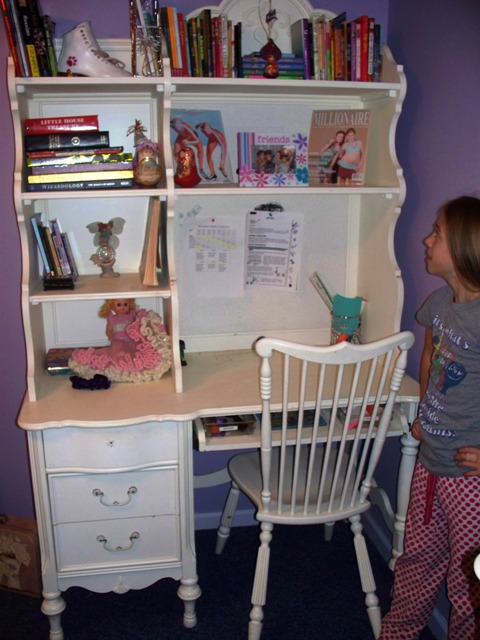 organized kids desk